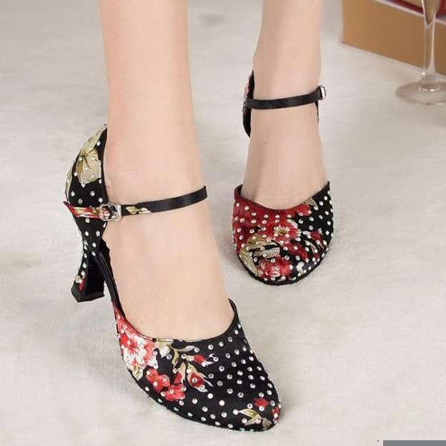 Women's Satin With Rhinestone Close Toe/Heels Dance Shoes