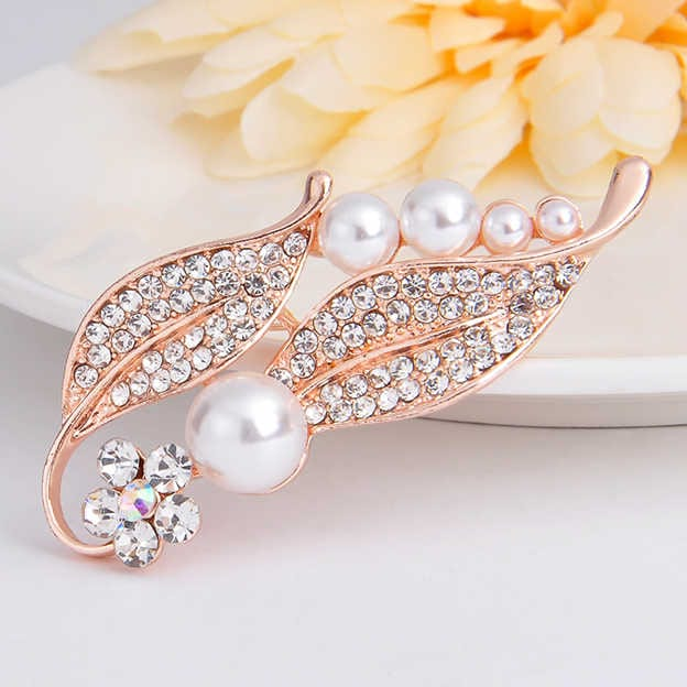 Women's Elegant Alloy Brooches With Imitation Pearls/Rhinestone