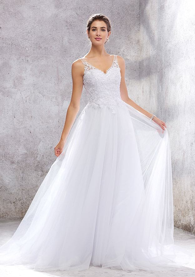 A-line V Neck Sleeveless Court Train Tulle Wedding Dress With Appliques Beading