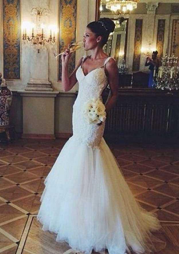 Trumpet/Mermaid Sweetheart Sleeveless Chapel Train Tulle Wedding Dress With Beading Lace