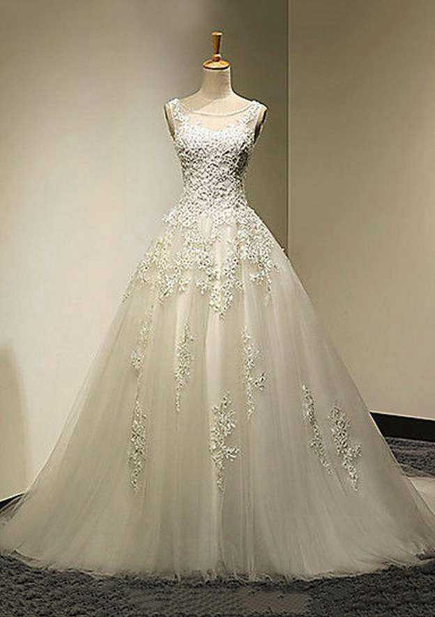 Ball Gown Bateau Sleeveless Court Train Tulle Wedding Dress With Appliqued Lace