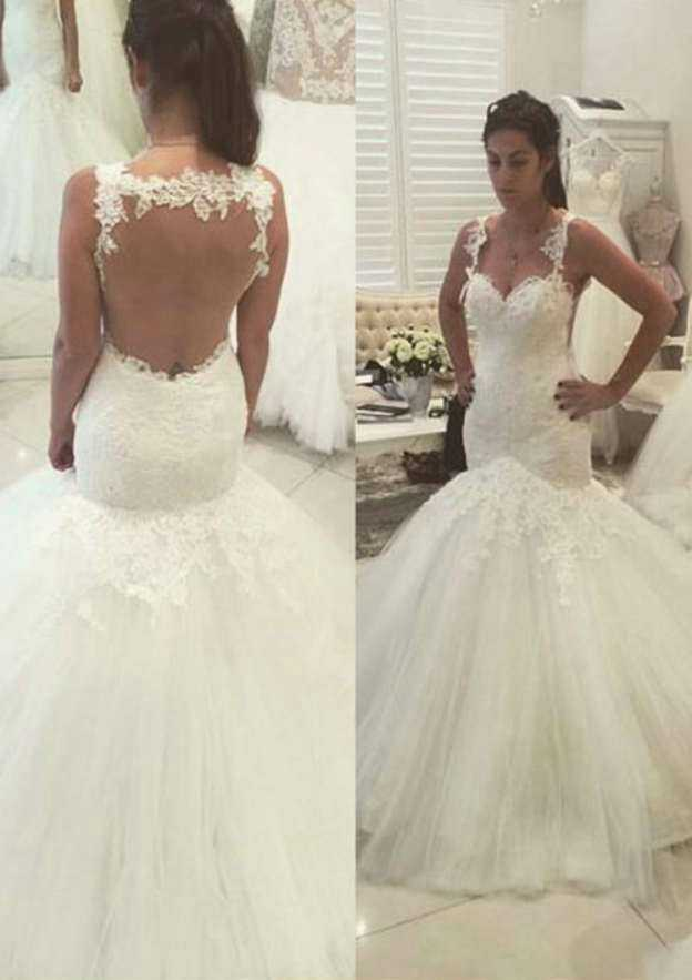 Trumpet/Mermaid Sweetheart Sleeveless Court Train Tulle Wedding Dress With Appliqued Lace