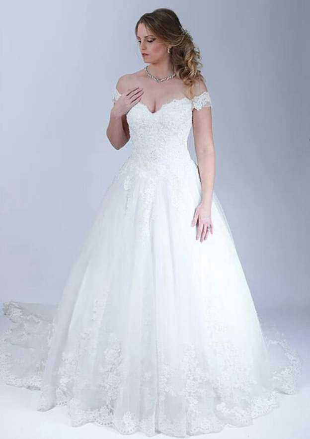 Ball Gown Off-The-Shoulder Sleeveless Court Train Tulle Wedding Dress With Appliqued Beading Lace
