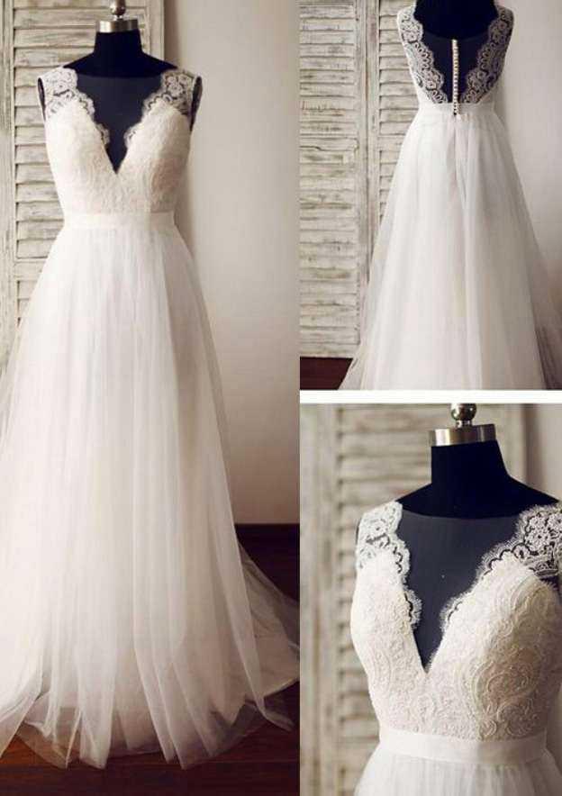 A-Line/Princess Bateau Sleeveless Sweep Train Tulle Wedding Dress With Appliqued Lace