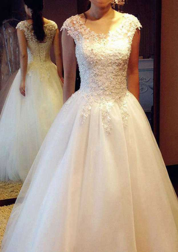Ball Gown Scoop Neck Sleeveless Long/Floor-Length Tulle Wedding Dress With Appliqued Beading Lace