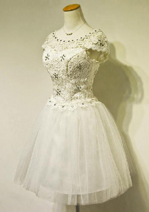 Ball Gown Bateau Sleeveless Short/Mini Tulle Wedding Dress With Lace Rhinestone
