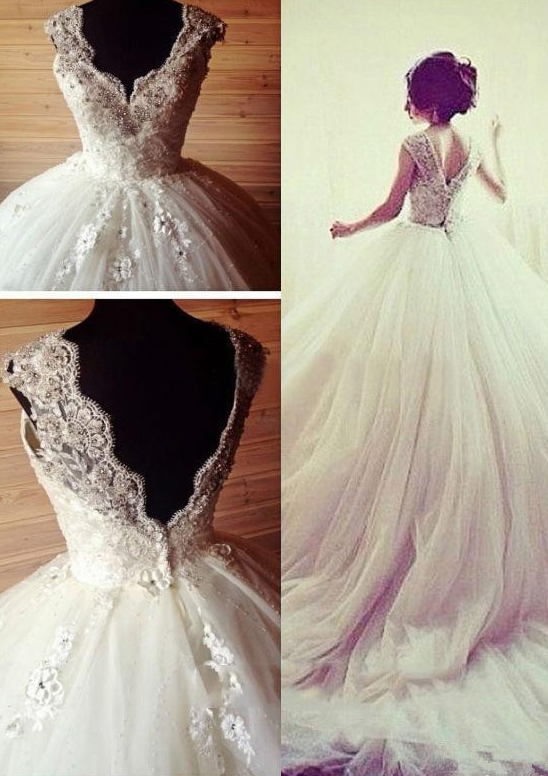 Ball Gown Scalloped Neck Sleeveless Chapel Train Tulle Wedding Dress With Appliqued Beading Lace