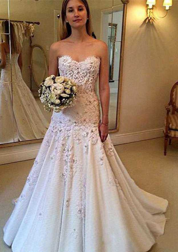 Sheath/Column Sweetheart Sleeveless Court Train Satin Tulle Wedding Dress With Flowers Appliqued