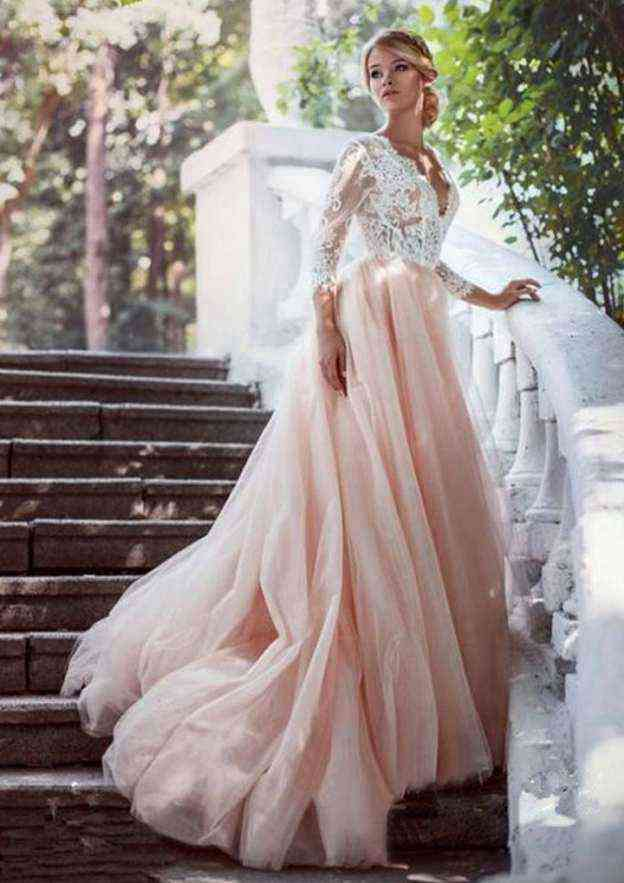 A-Line/Princess Scalloped Neck 3/4 Sleeve Court Train Tulle Wedding Dress With Appliqued Lace