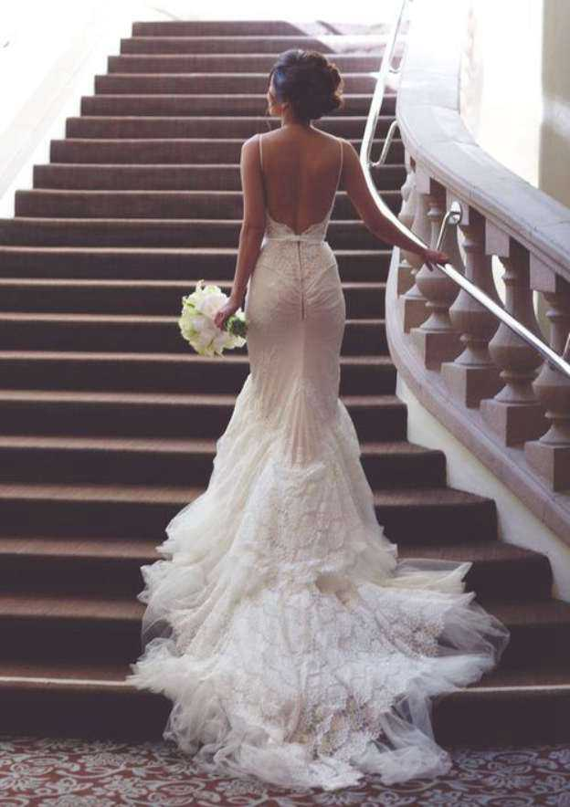 Trumpet/Mermaid Sweetheart Sleeveless Chapel Train Tulle Wedding Dress With Lace Sashes