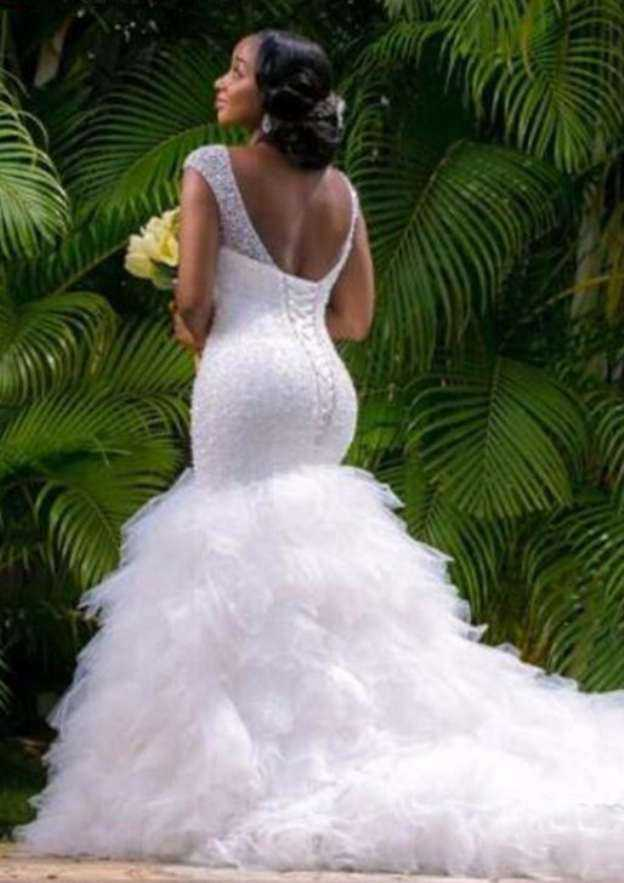 Trumpet/Mermaid V Neck Sleeveless Chapel Train Tulle Wedding Dress With Beading Ruffles