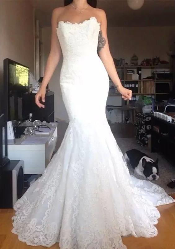 Trumpet/Mermaid Strapless Sleeveless Court Train Lace Wedding Dress With Appliqued