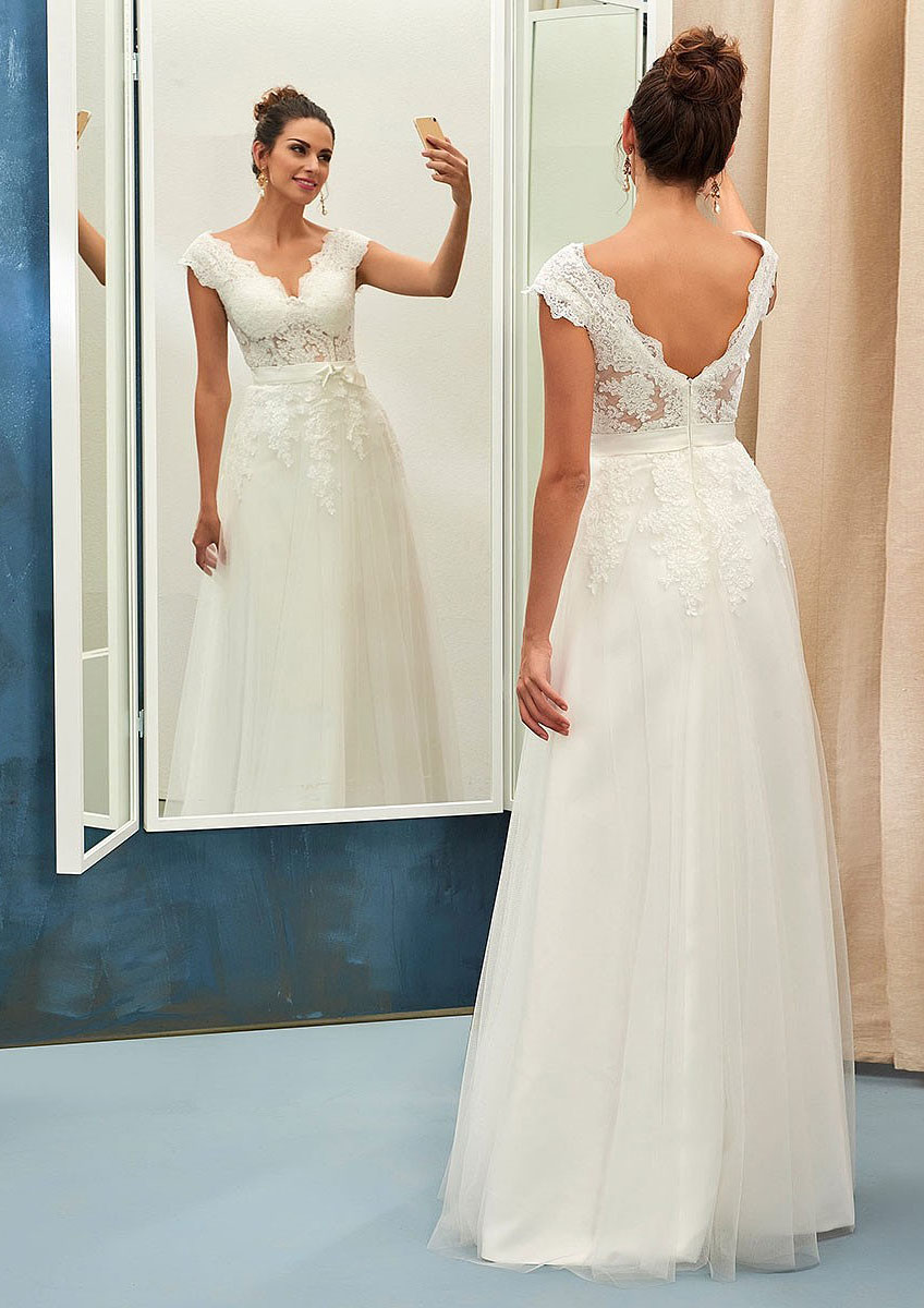 A-Line/Princess Scalloped Neck Sleeveless Long/Floor-Length Tulle Wedding Dress With Appliqued Lace Waistband