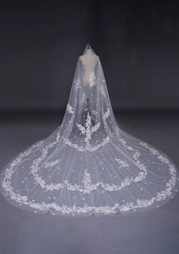 1 Layer Classic Cathedral Trailing White Bridal Veil With Lace Applique