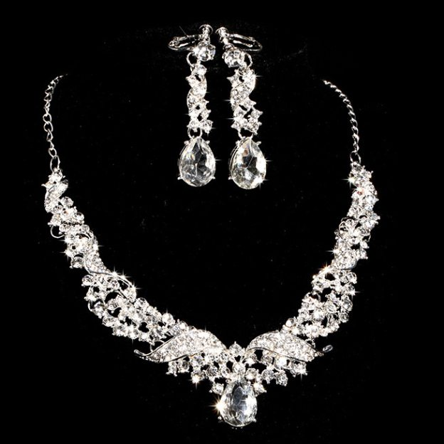 Alloy Irregular Earclip Jewelry Sets With Rhinestones