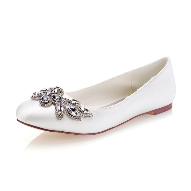 Close Toe Flat Heel Satin Wedding Shoes With Rhinestone