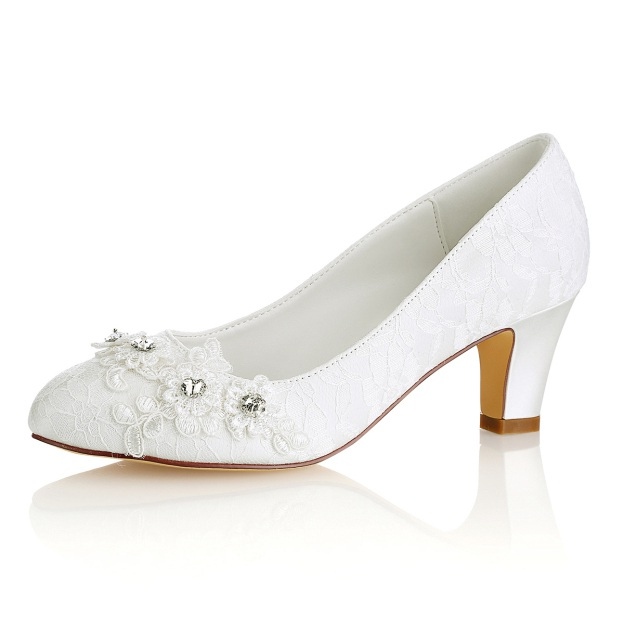 Close Toe Chunky Heel Lace Wedding Shoes With Appliqued Crystal