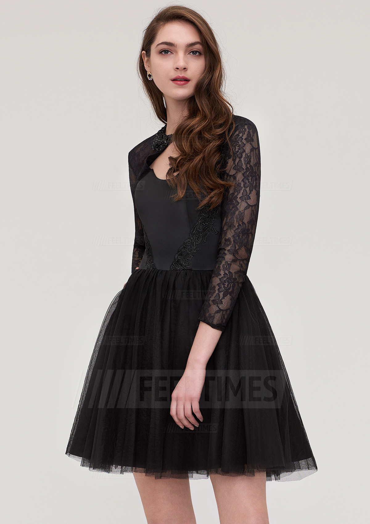 A-Line/Princess Scoop Neck Full/Long Sleeve Short/Mini Tulle Homecoming Dress With Lace