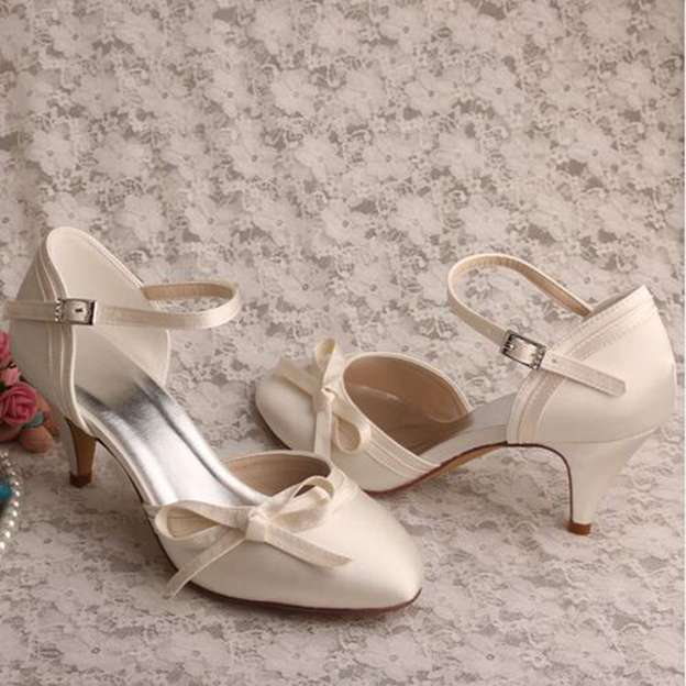 Women's Satin With Buckle/Bowknot Heels Pumps Close Toe Wedding Shoes