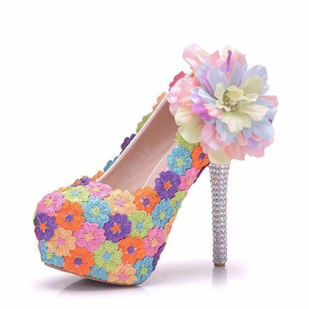 Women's PU With Rhinestone/Flowers/Appliqued Close Toe Heels Fashion Shoes