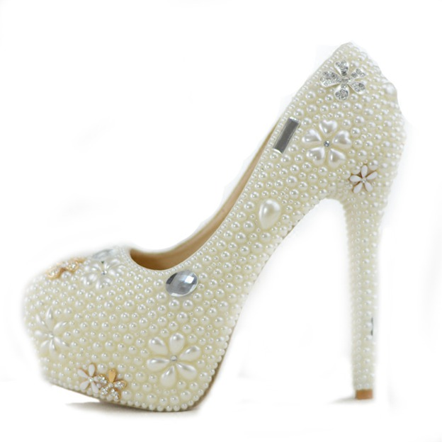 Women's PU With Imitation Pearl Close Toe Heels Shoes