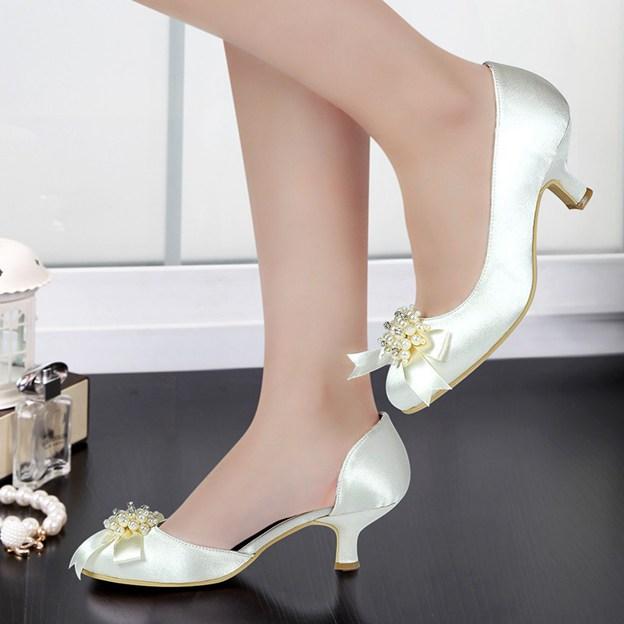 Women's Satin With Imitation Pearl/Bowknot Close Toe Heels Wedding Shoes