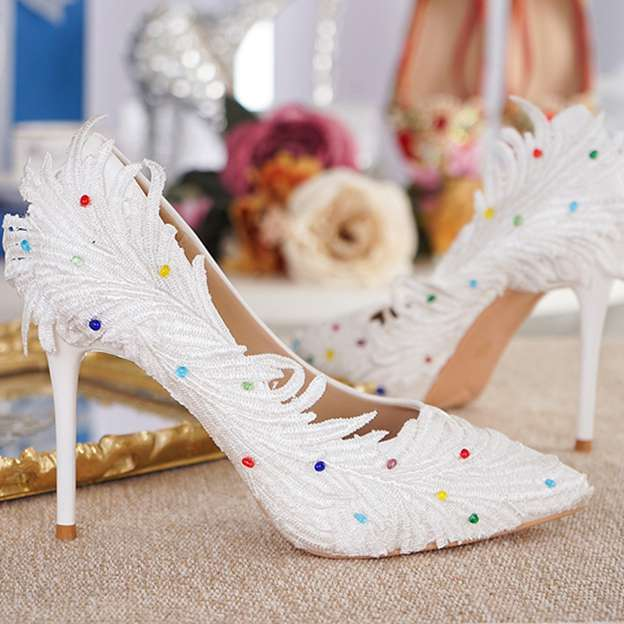 Women's PU With Appliqued Close Toe Heels Shoes