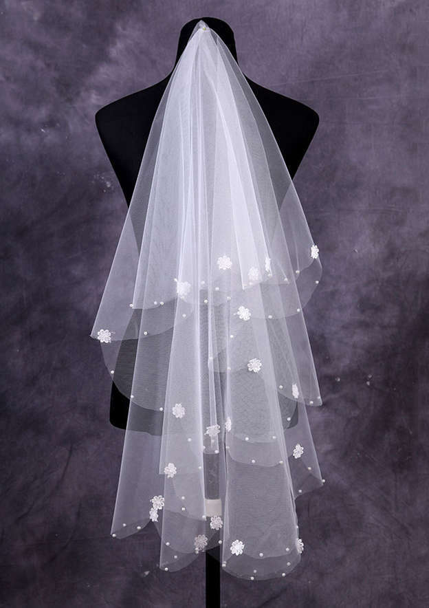 One-tier Tulle Fingertip Bridal Veils With Faux Pearl/Flower
