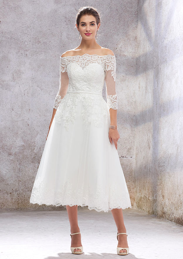 A-line/Princess 3/4 Sleeve Tea-Length Tulle Wedding Dress With Lace